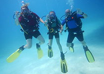 Leren duiken in Hurghada, Rode Zee, Egypte. Nederlandse PADI Duikopleidingen in Hurghada, Duikcursus in Hurghada, Duikopleiding in Hurghada, PADI Open Water Diver Hurghada, Duiken leren in Hurghada. Padi Hurghada.